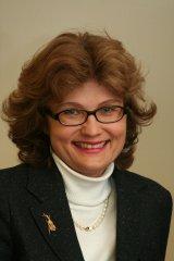 Portrait: Direktorin Dr. Edith GOLDEBAND