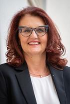 Portrait: Landesamtsdirektorin Brigitte Scherz-Schaar